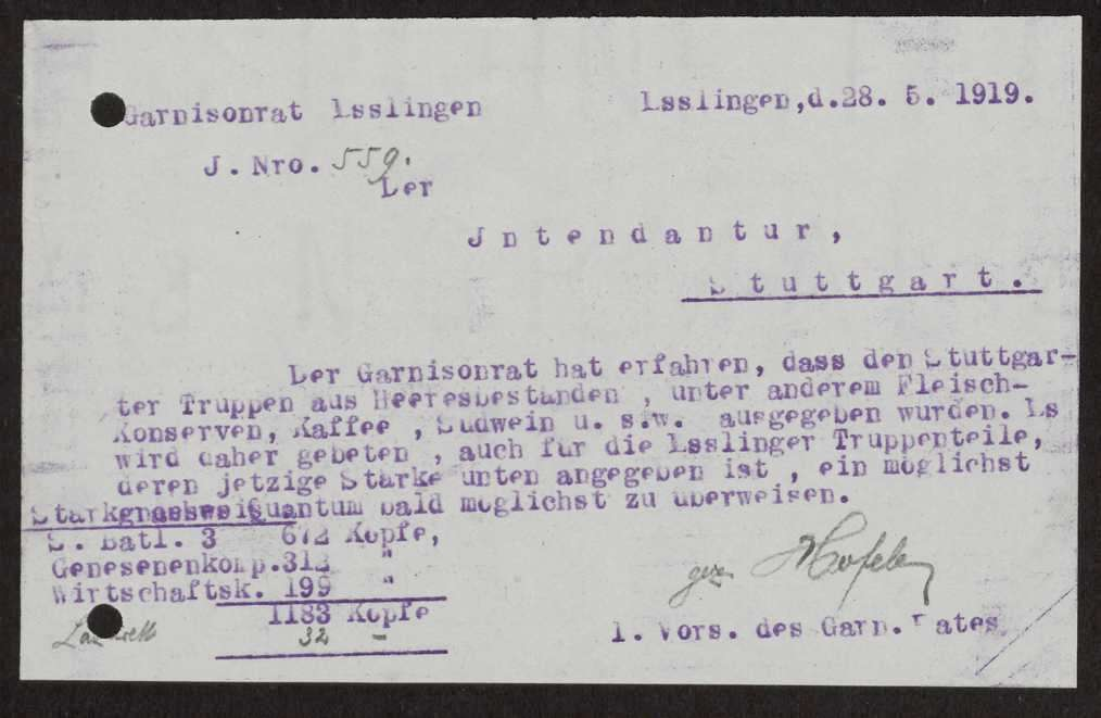 Abgabe von Nahrungsmittelkonserven und Kaffee an den Garnisonrat Esslingen zur Verteilung an die Truppen, Bild 1