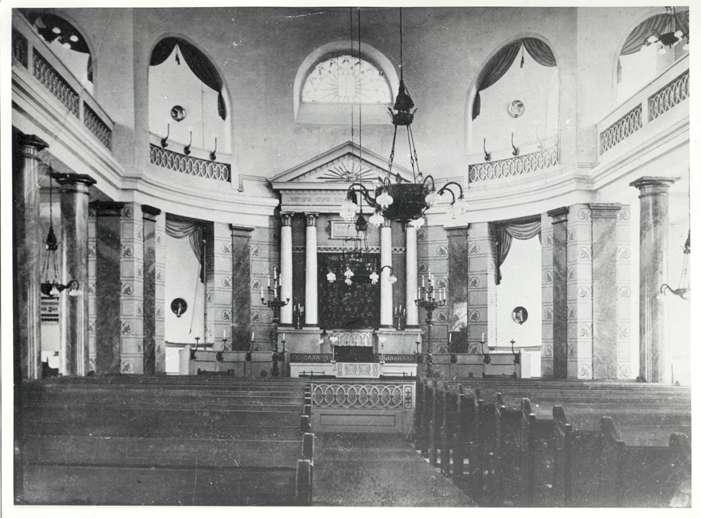 Bad Buchau, BC; Synagoge, Innenansicht mit Thora-Schrein, Bild 1