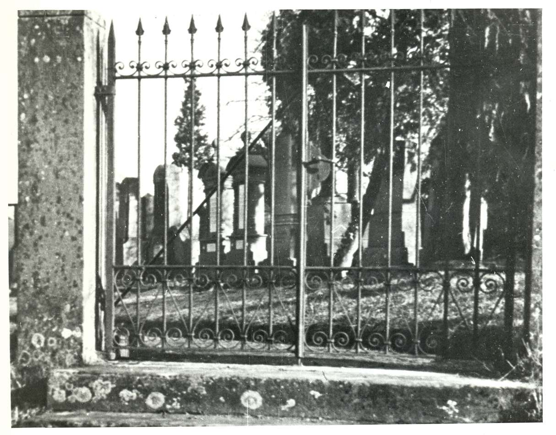 Bretten, KA; Jüdischer Friedhof, Eingang, Bild 1