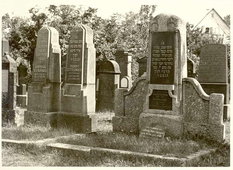 Bretten, KA; Jüdischer Friedhof, Grabsteine, Bild 1