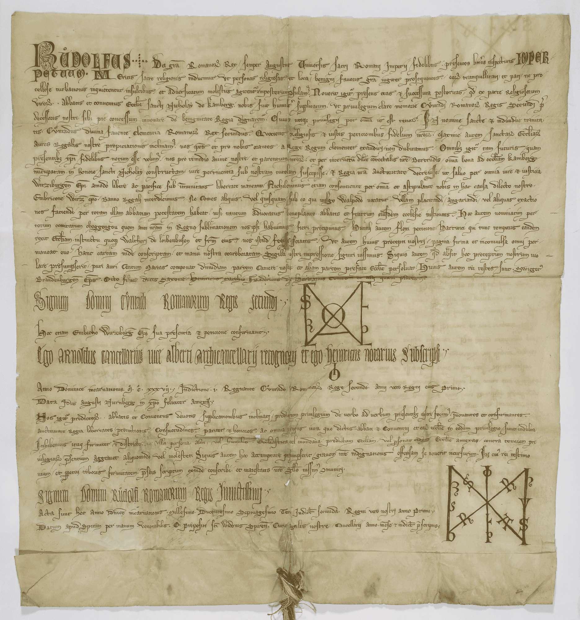 König Rudolf erneuert dem Kloster Comburg das in der Urkunde inserierte Privilegium König Konrads III. von 1138 August 13, wodurch der König das Kloster in seinen Schutz nimmt und von der Amtsgewalt der Grafen und ihrer Stellvertreter befreit., Bild 1
