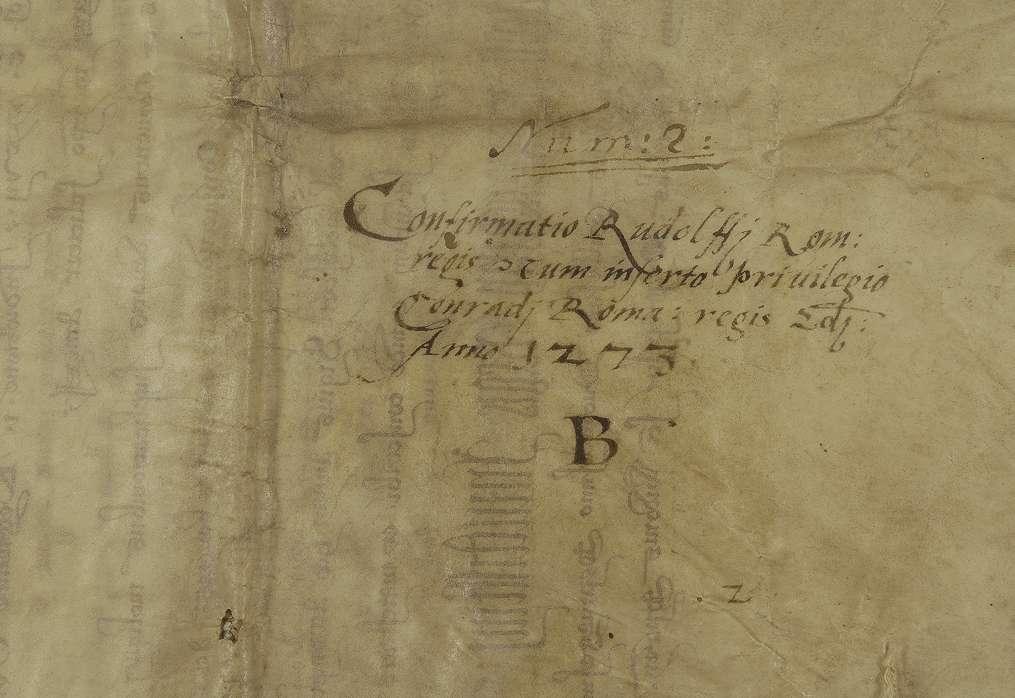 König Rudolf erneuert dem Kloster Comburg das in der Urkunde inserierte Privilegium König Konrads III. von 1138 August 13, wodurch der König das Kloster in seinen Schutz nimmt und von der Amtsgewalt der Grafen und ihrer Stellvertreter befreit., Bild 2