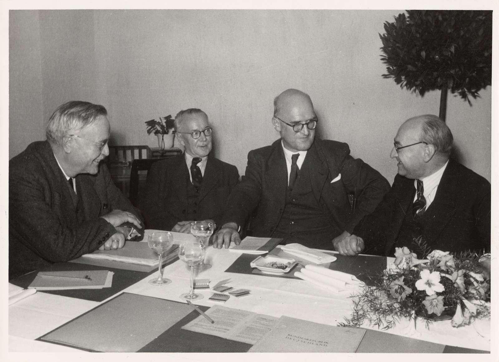 Südweststaatkonferenz in Wildbad am 12. Oktober 1950, Bild 1