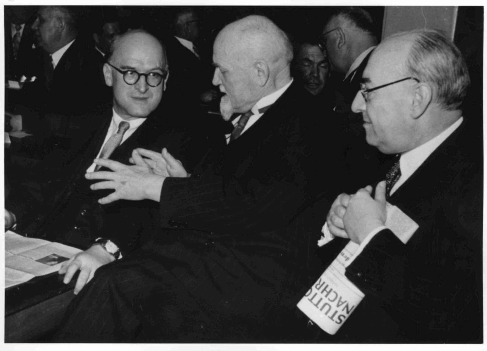 Wilhelm Keil, Gebhard Müller und Leo Wohleb bei der Eröffnung der Verfassunggebenden Landesversammlung am 25. März 1952, Bild 1