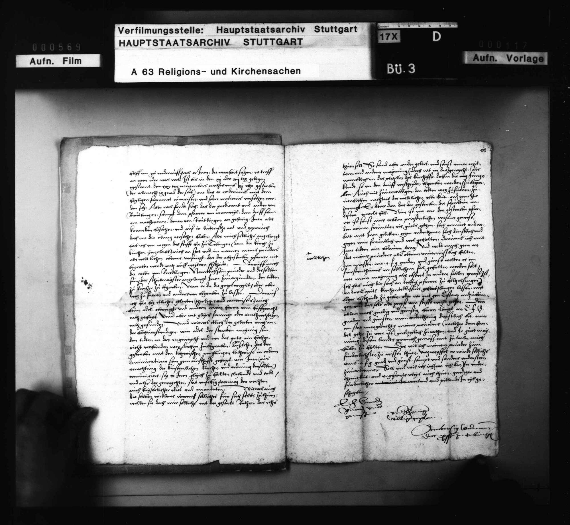 Anfrage des Propsts zu Tübingen mit Antwort, ob er den verstorbenen Pfarrer zu Kirchentellinsfurt, weil er der Religion halber verdächtig, in das geweihte Erdreich begraben solle, Bild 2
