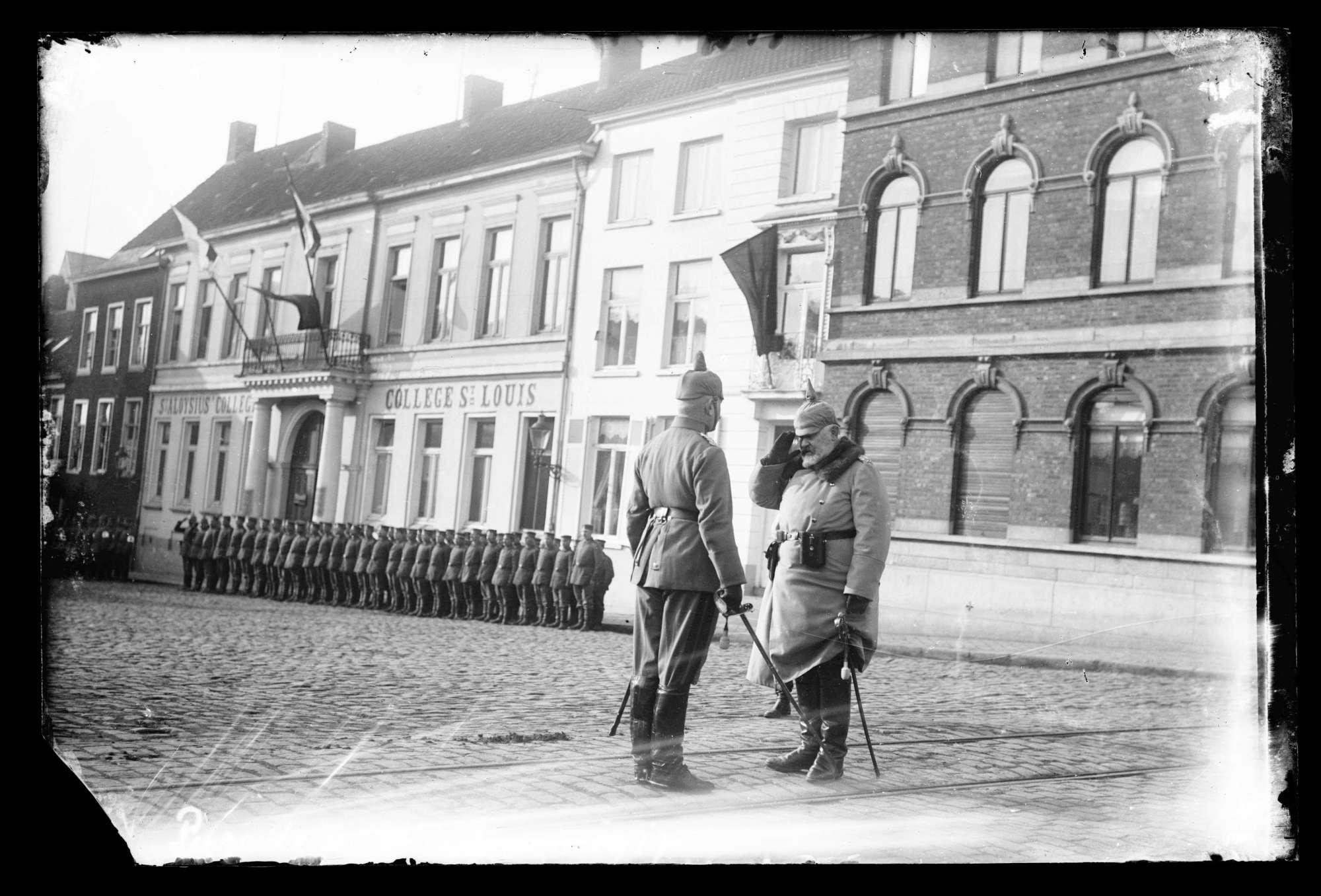 Wilhelm II., König von Württemberg: Parade in Menin 1917, Bild 1