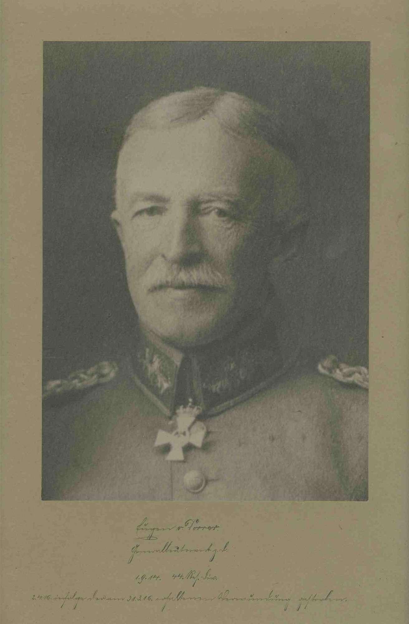 Eugen von Dorrer, Generalleutnant z. D. (zur Disposition), Kommandeur der 44. Res. Division von 1914-1916 in Uniform mit Orden, Brustbild in Halbprofil, Bild 1