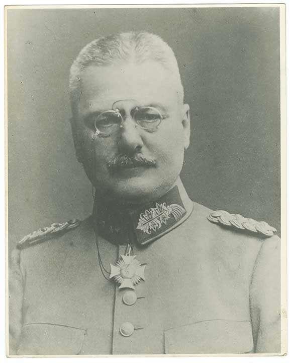 Otto von Moser, Generalleutnant, Kommandeur des XIV. Res.-Korps, in Uniform mit Orden, Brustbild, Bild 1