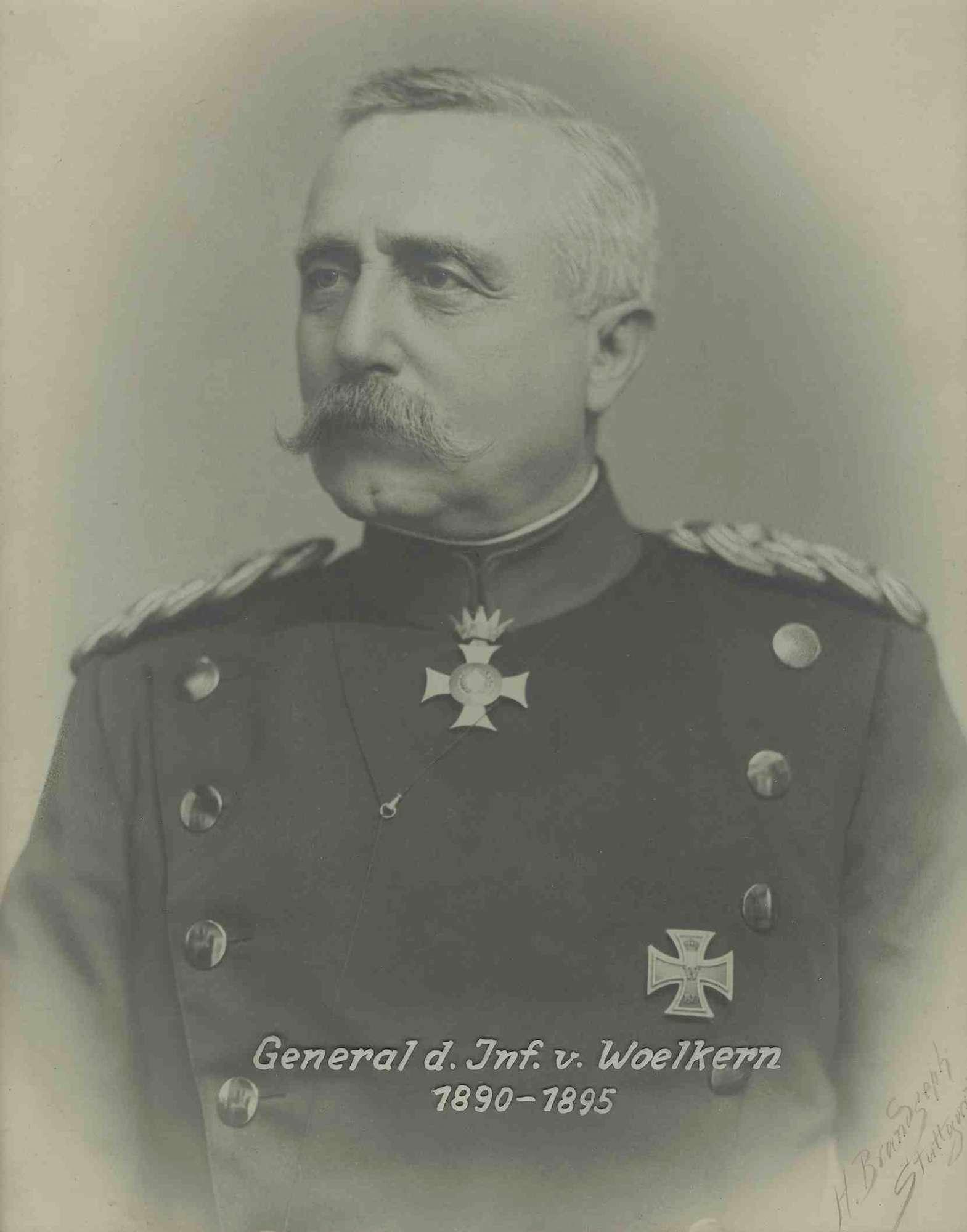 Wilhelm von Woelkern, General der Infanterie, Kommandeur des XIII. Armeekorps von 1890-1895 in Uniform mit Orden, Brustbild in Halbprofil, Bild 1
