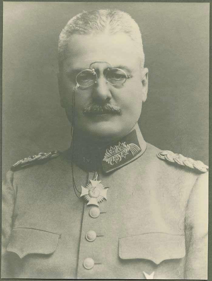 Otto von Moser, Generalleutnant in Uniform mit Orden, Brustbild, Bild 1