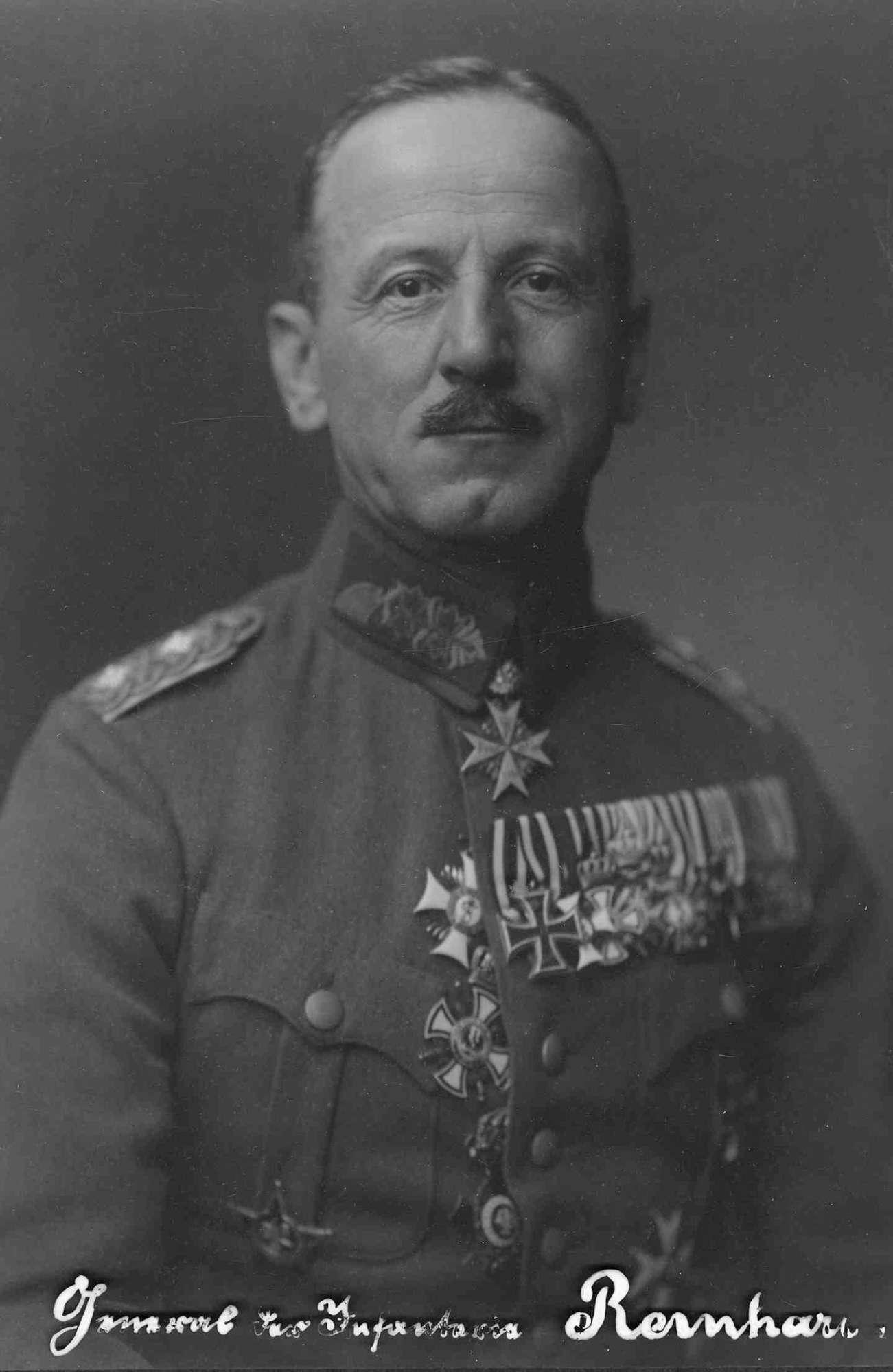 Walter Reinhardt, General der Infanterie in Uniform und Orden, Brustbild, Bild 1