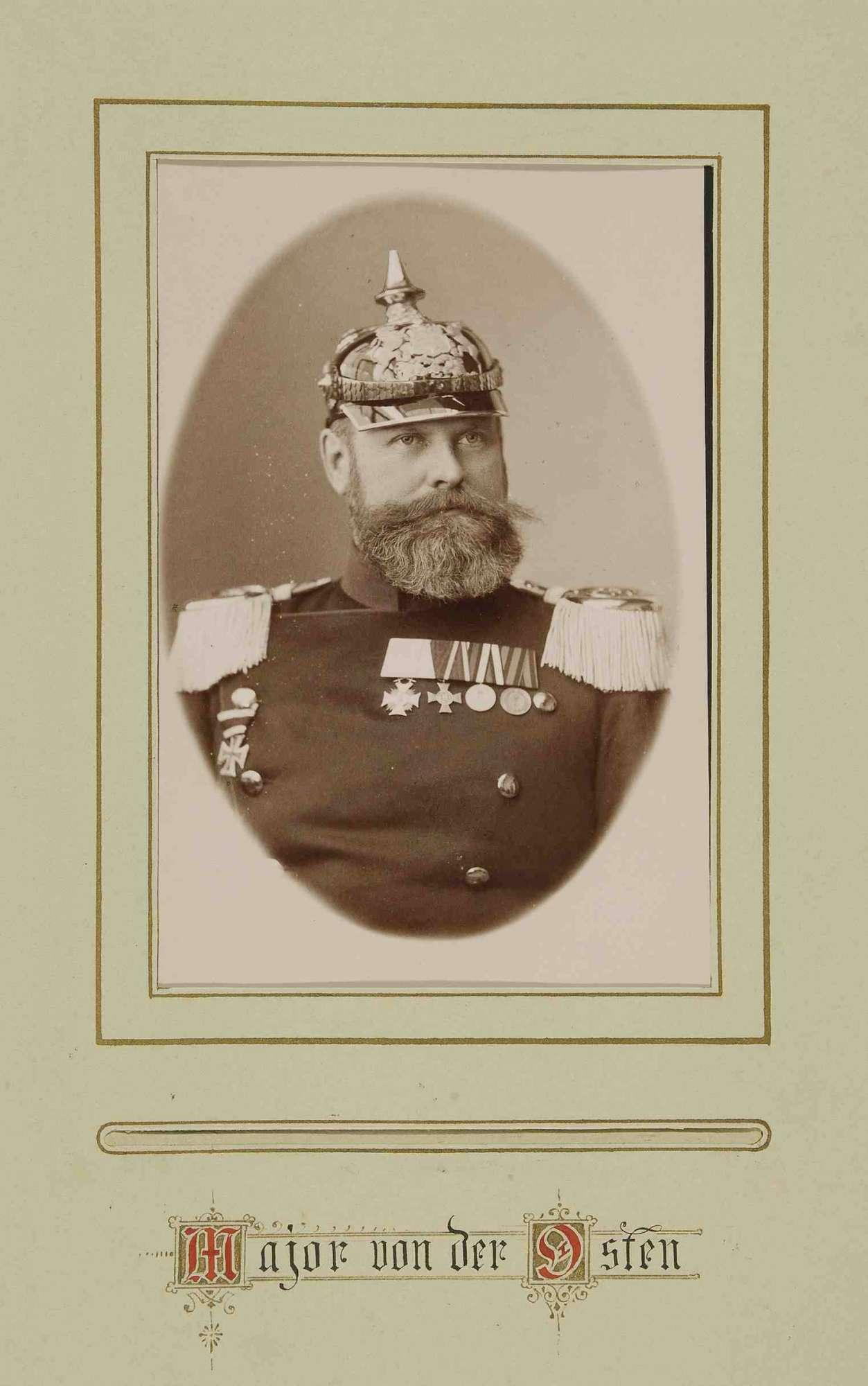 Offiziere des Regiments mit Widmung ihres Kommandeurs Freiherr Wilhelm Seutter von Lötzen, Brustbilder, Bild 2