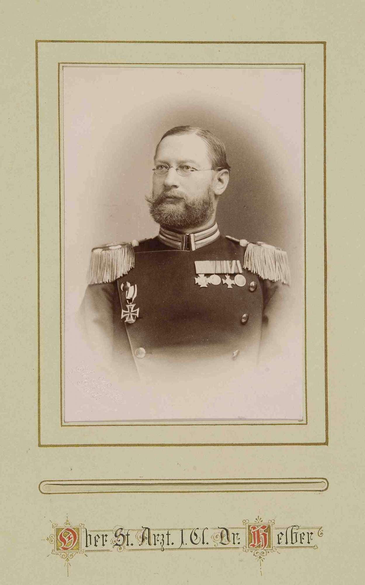 Offiziere des Regiments mit Widmung ihres Kommandeurs Freiherr Wilhelm Seutter von Lötzen, Brustbilder, Bild 3