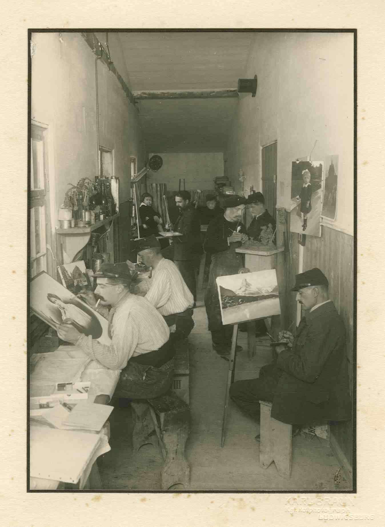 7 Kriegsgefangene im Atelier (Künstlerwerkstatt) Kriegsgefangenenlager Ludwigsburg-Eglosheim, Bild 1