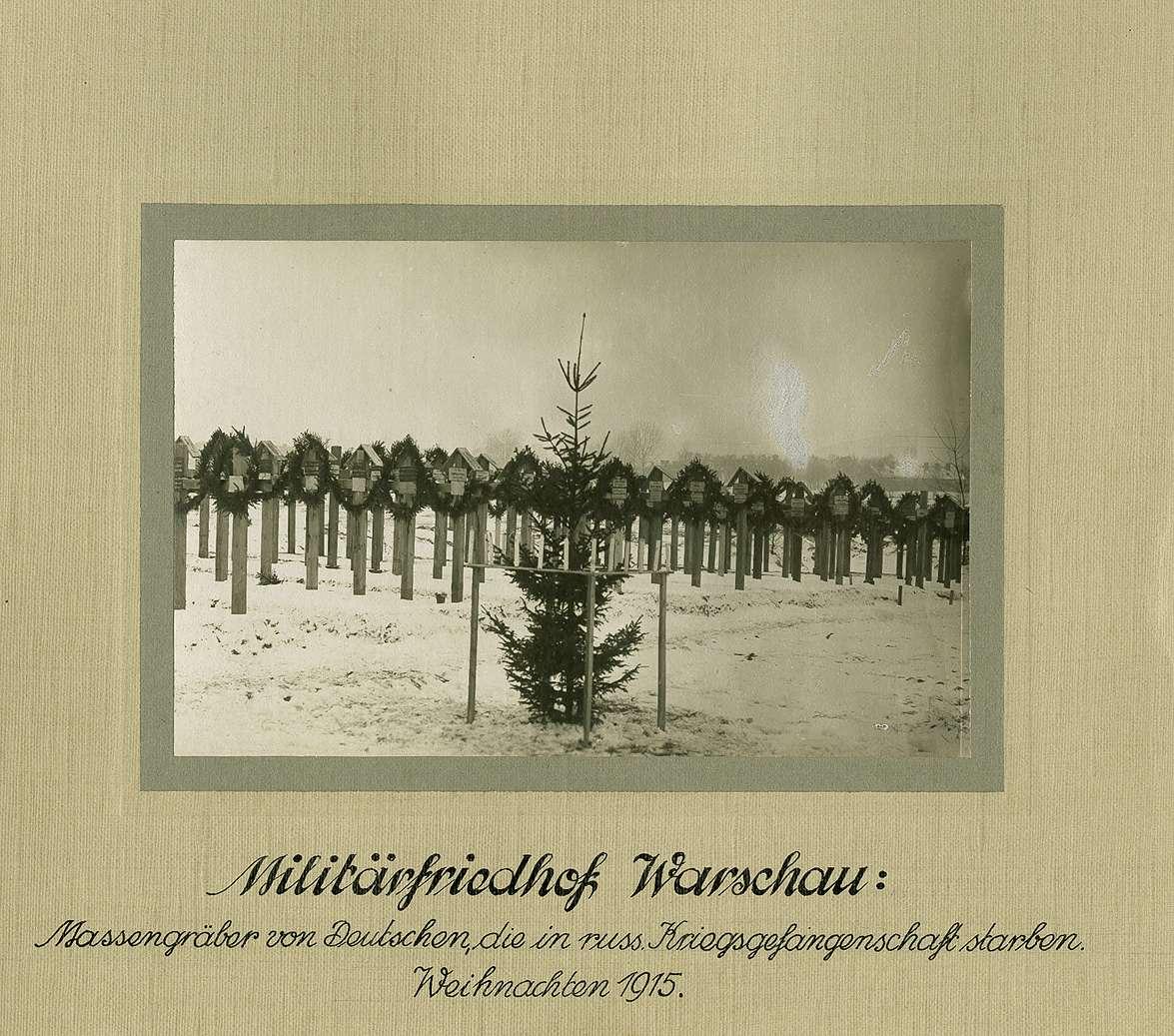 Militär-Friedhof Warschau Massengräber deutscher Soldaten in ...