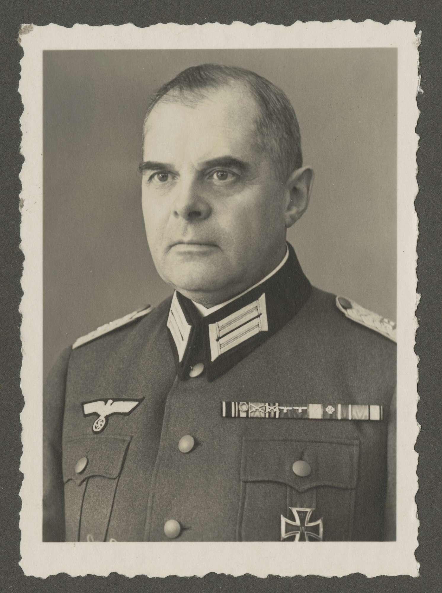 Degenfeld-Schonburg, Max von, Graf, Bild 1