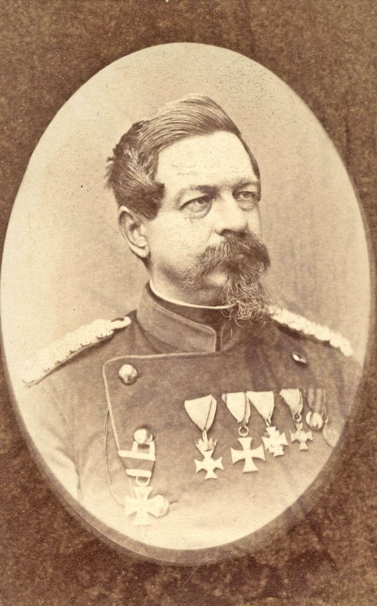 Hügel, Hermann von, Freiherr, Bild 1