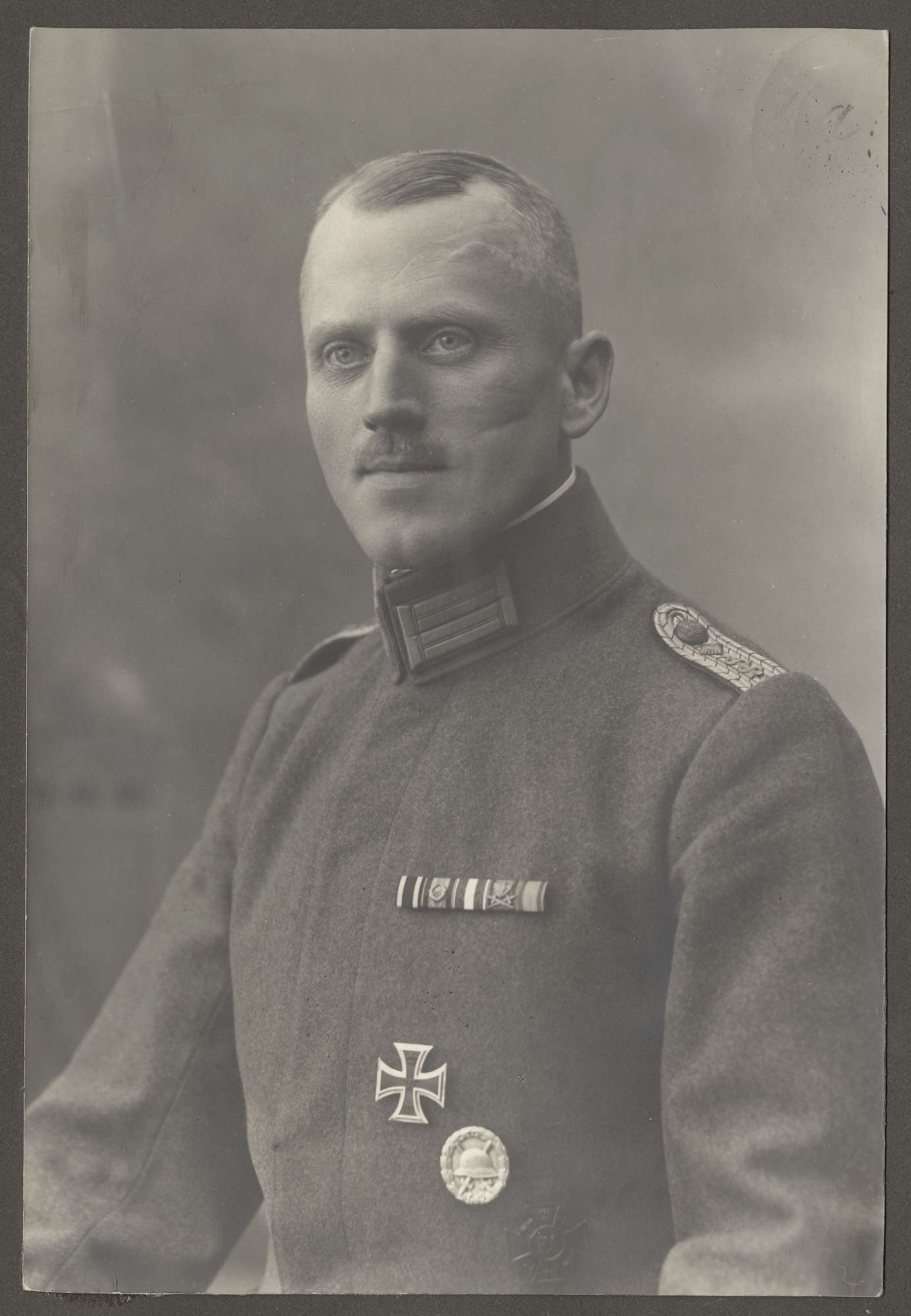 Lonhard, Erwin, Dr.med., Bild 1