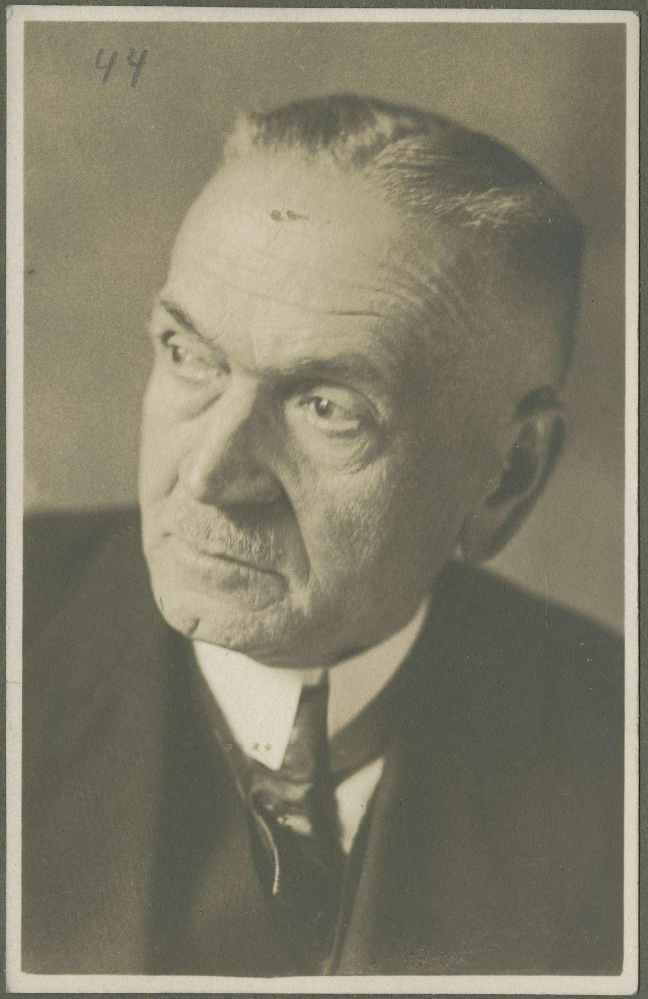Neidert, Emil, Dr., Bild 1