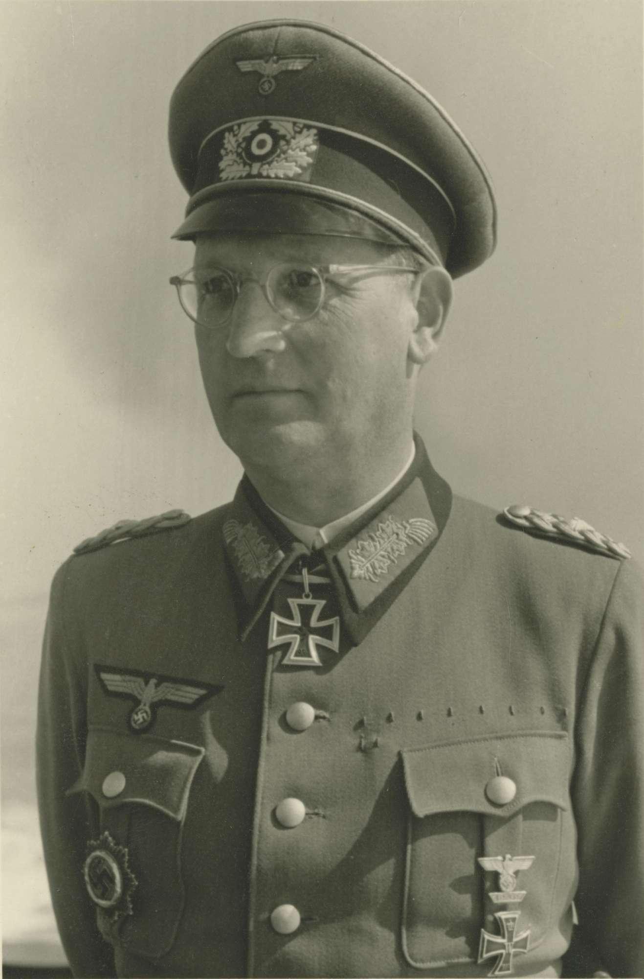Speidel, Hans Dr., Bild 2