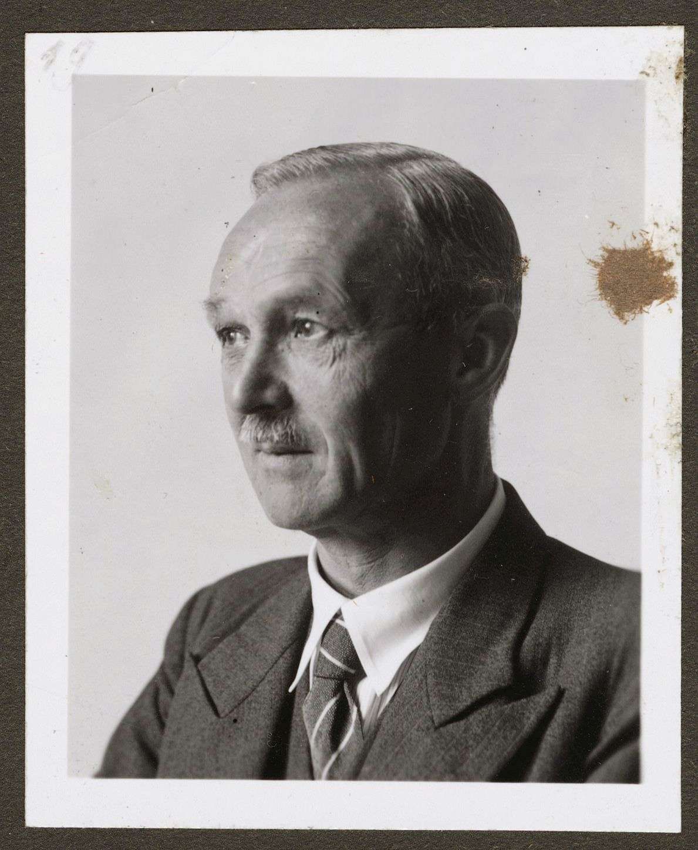 Dieterich, Viktor, Prof. Dr., Bild 1