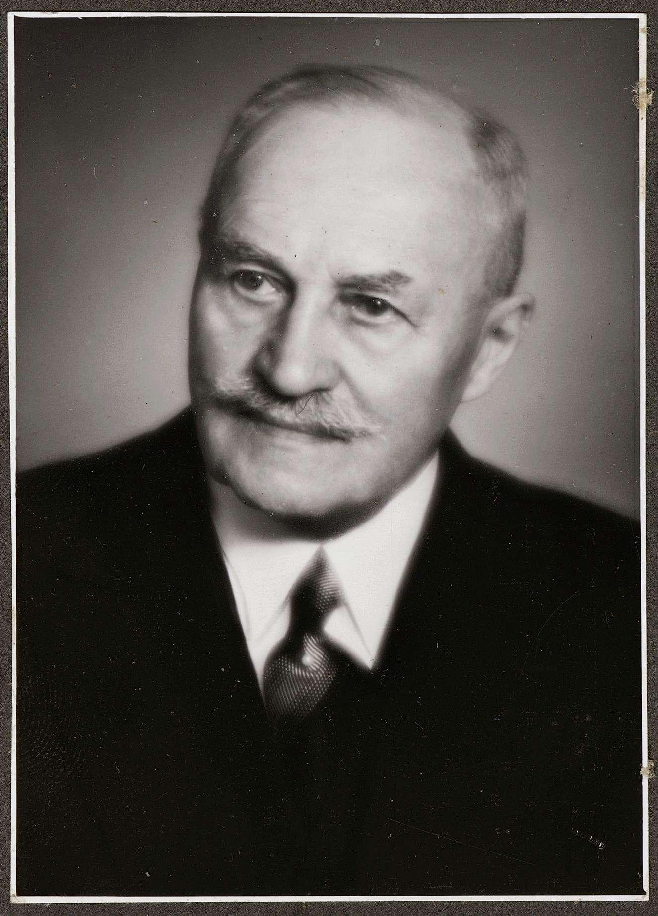 Fischer, Moriz, Dr., Bild 1