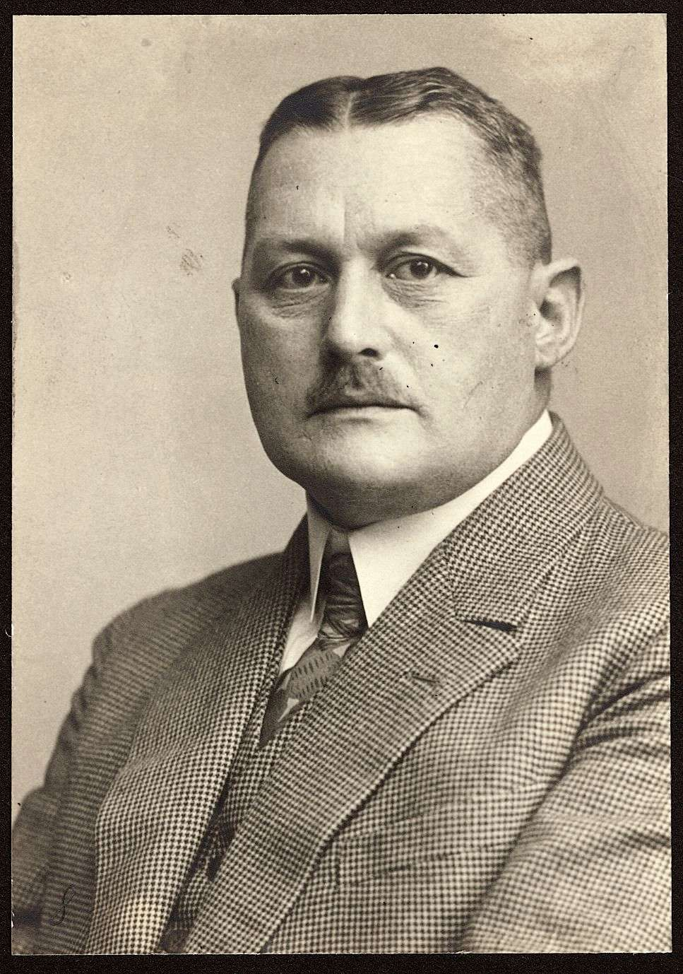 Krebsen, Hermann, Dr.med., Bild 1