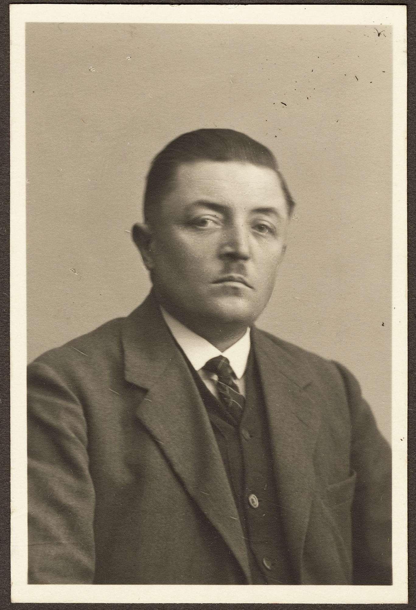 Amos, Albert, Bild 2