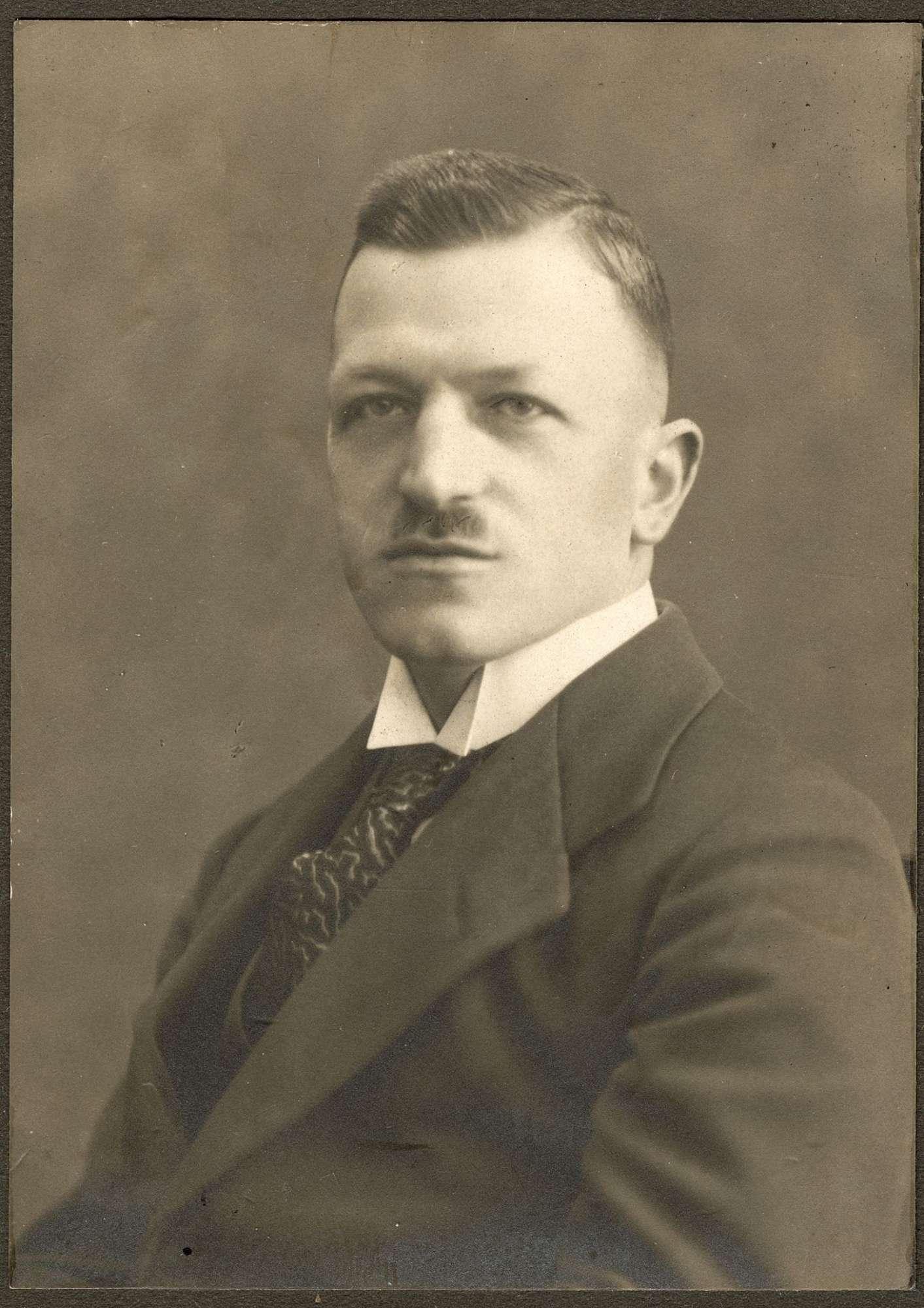 Haas, Wilhelm, Dr., Bild 1