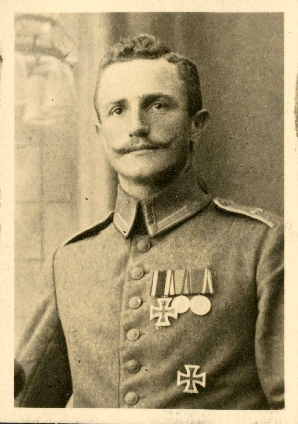Hechler, Paul, Bild 1