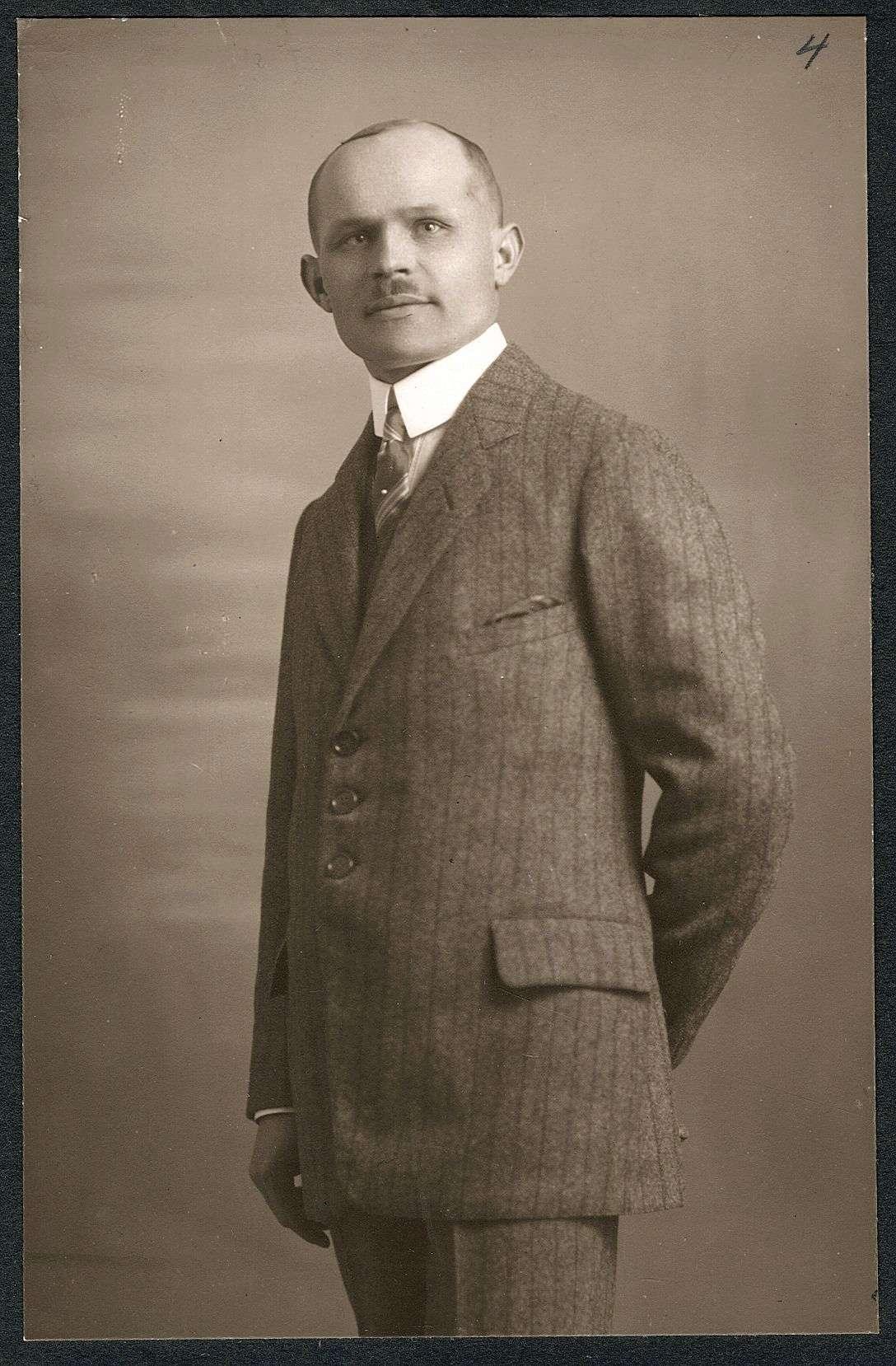 Mayer, Gustav, Bild 1