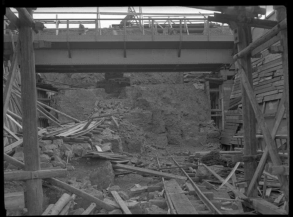 Backnang, Bau der Straßenunterführung (Maubach), Abb. a