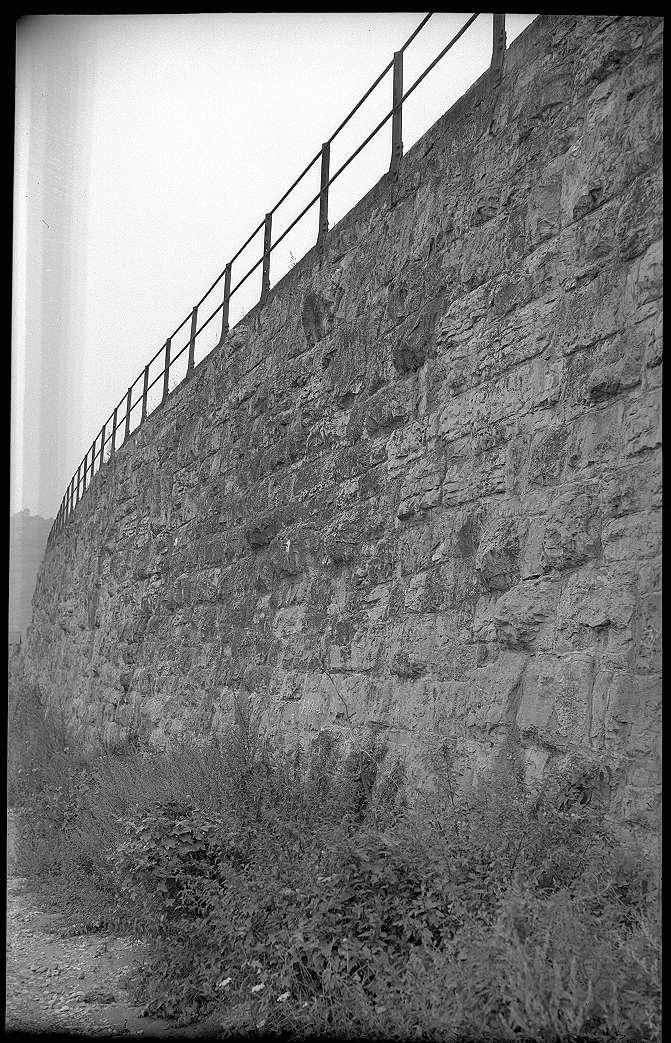 Besigheim, Stützmauer, alter Zustand, Abb. a