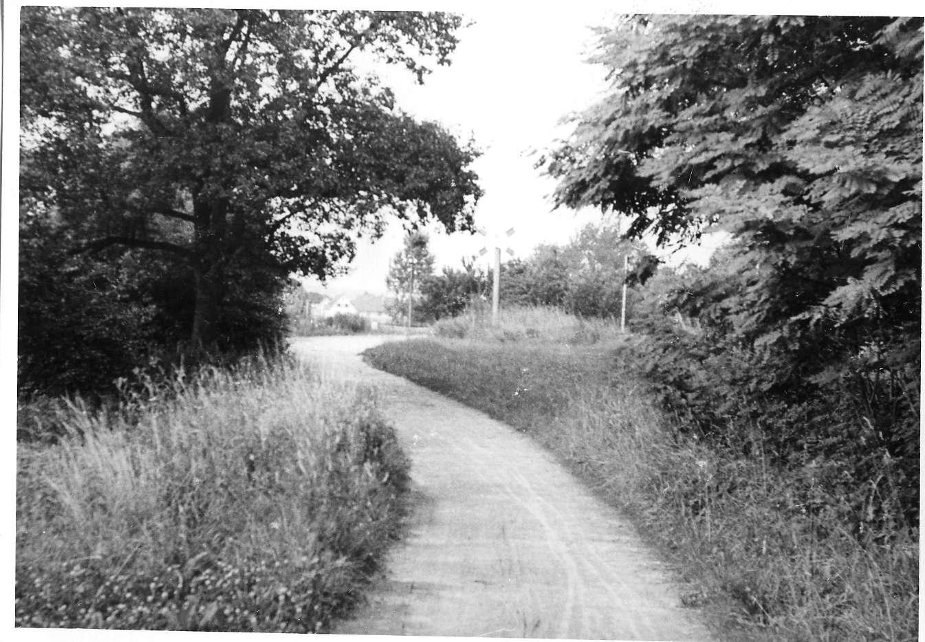 Gemmingen, Bahnübergang, Abb. a