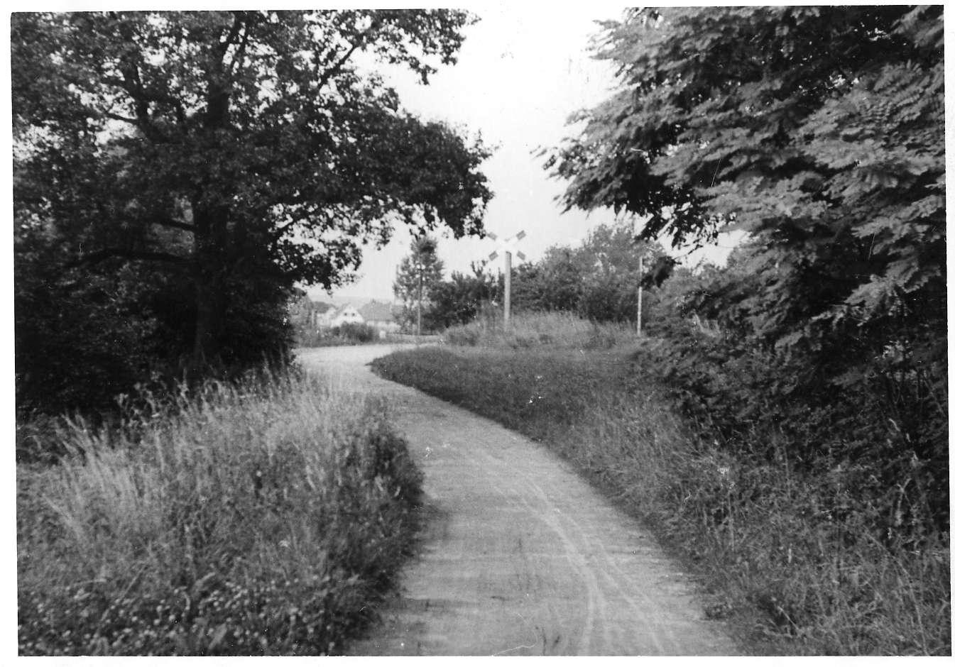 Gemmingen, Bahnübergang, Abb. c
