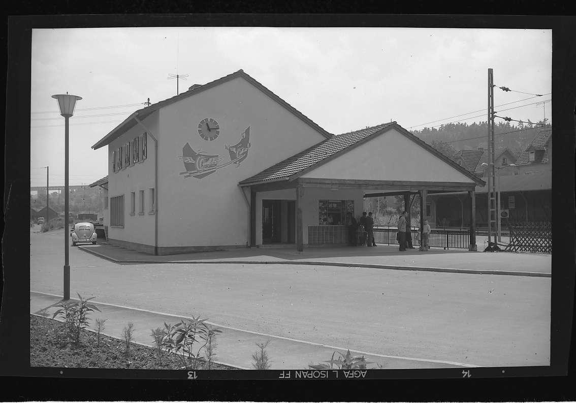 Ispringen, Bahnhof neu (Aussenaufnahmen), Abb. a