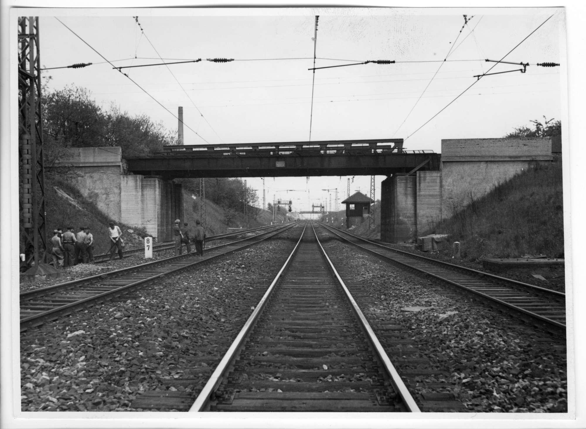 Kornwestheim, (Straßenbrücke), Abb. b