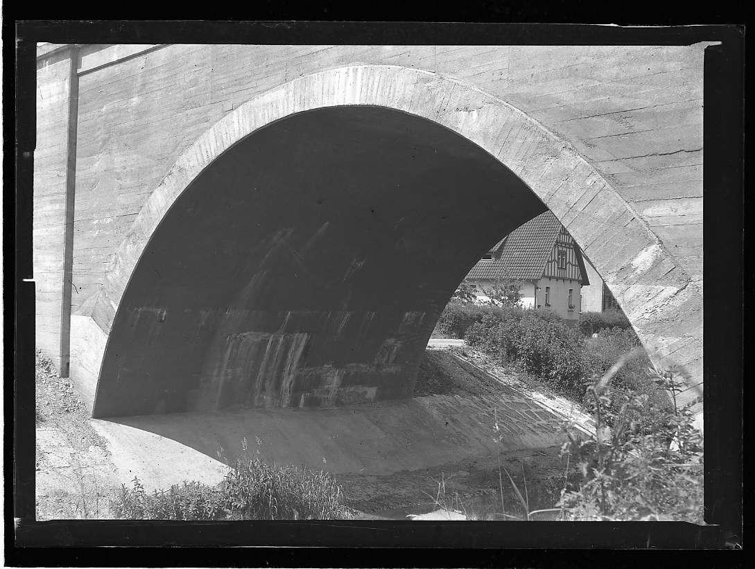Metzingen, Wasserschäden an der neuen Ermsbrücke, Abb. c