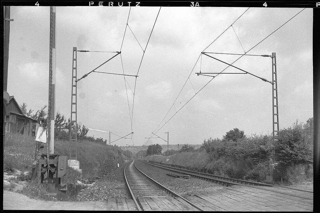 Mühlacker, Bahnstromleitung, Masten im Gelände Bahnhof Ötisheim; Mühlacker, Katharinentaler Hof, Abb. b