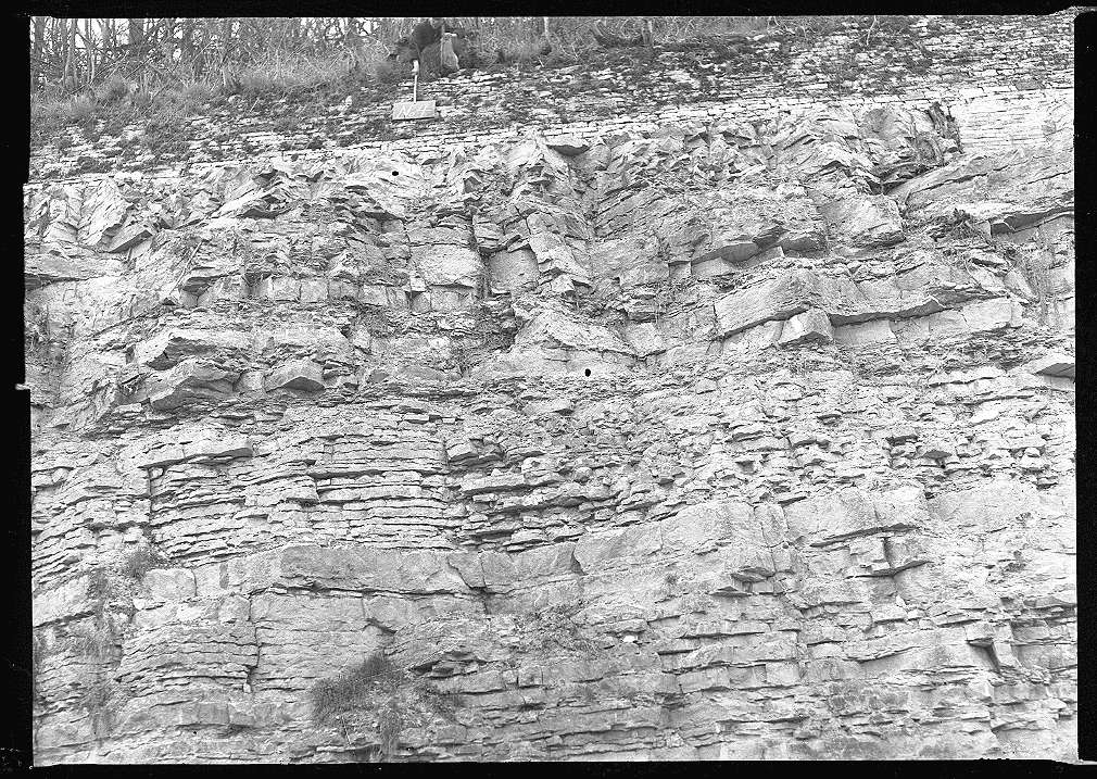 Neudenau, Bf, Stütz- bzw. Mauerwerk, Abb. b