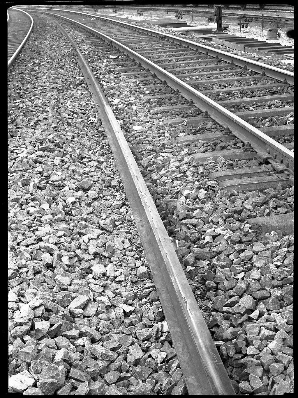 Tamm, beschädigte Schienen bei Tamm, Abb. a