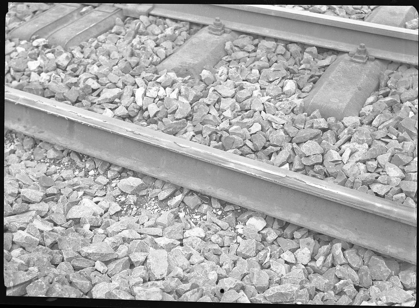 Tamm, beschädigte Schienen bei Tamm, Abb. b