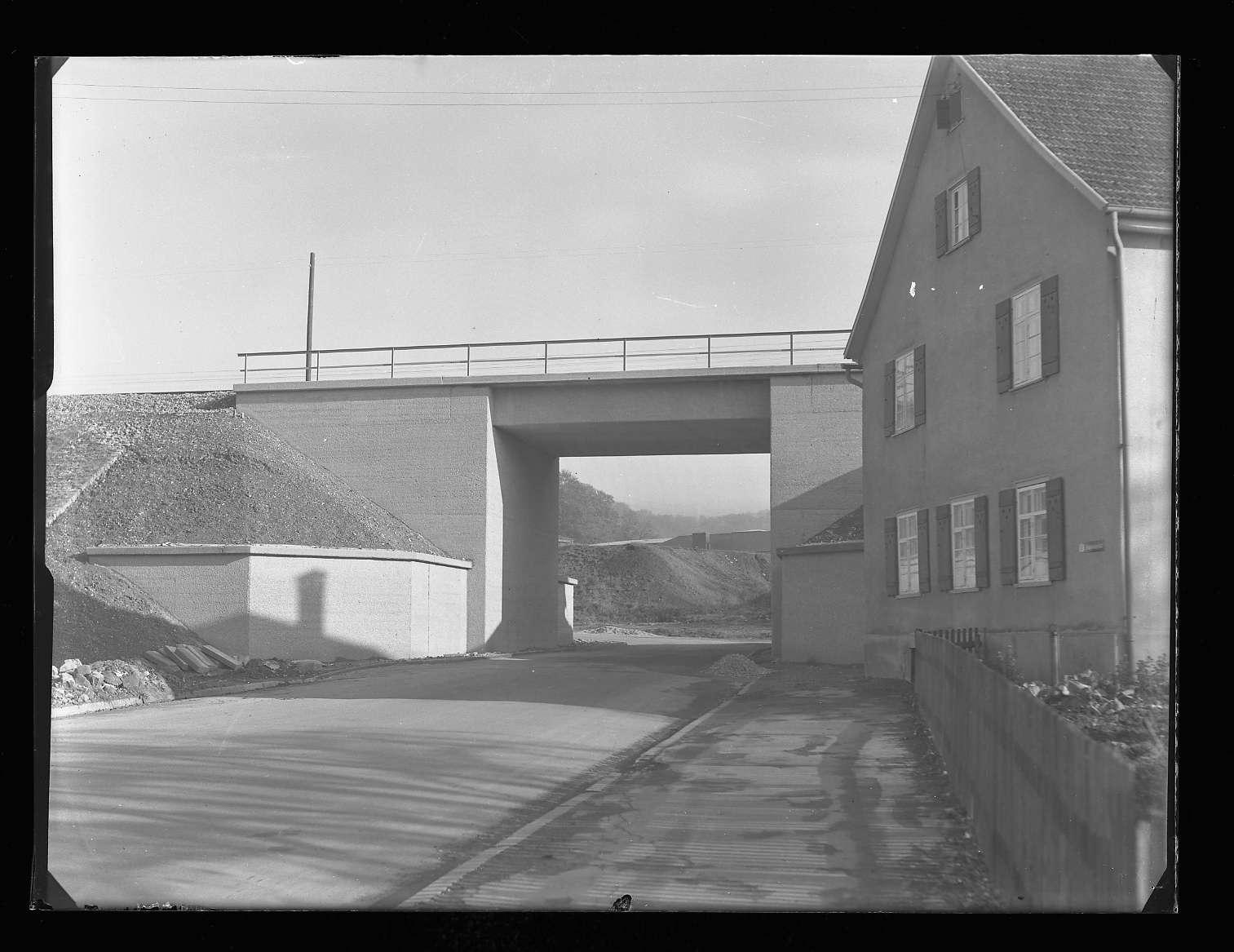 Wasseralfingen, Bf, neue Brücke (fertiger Zustand), Abb. a