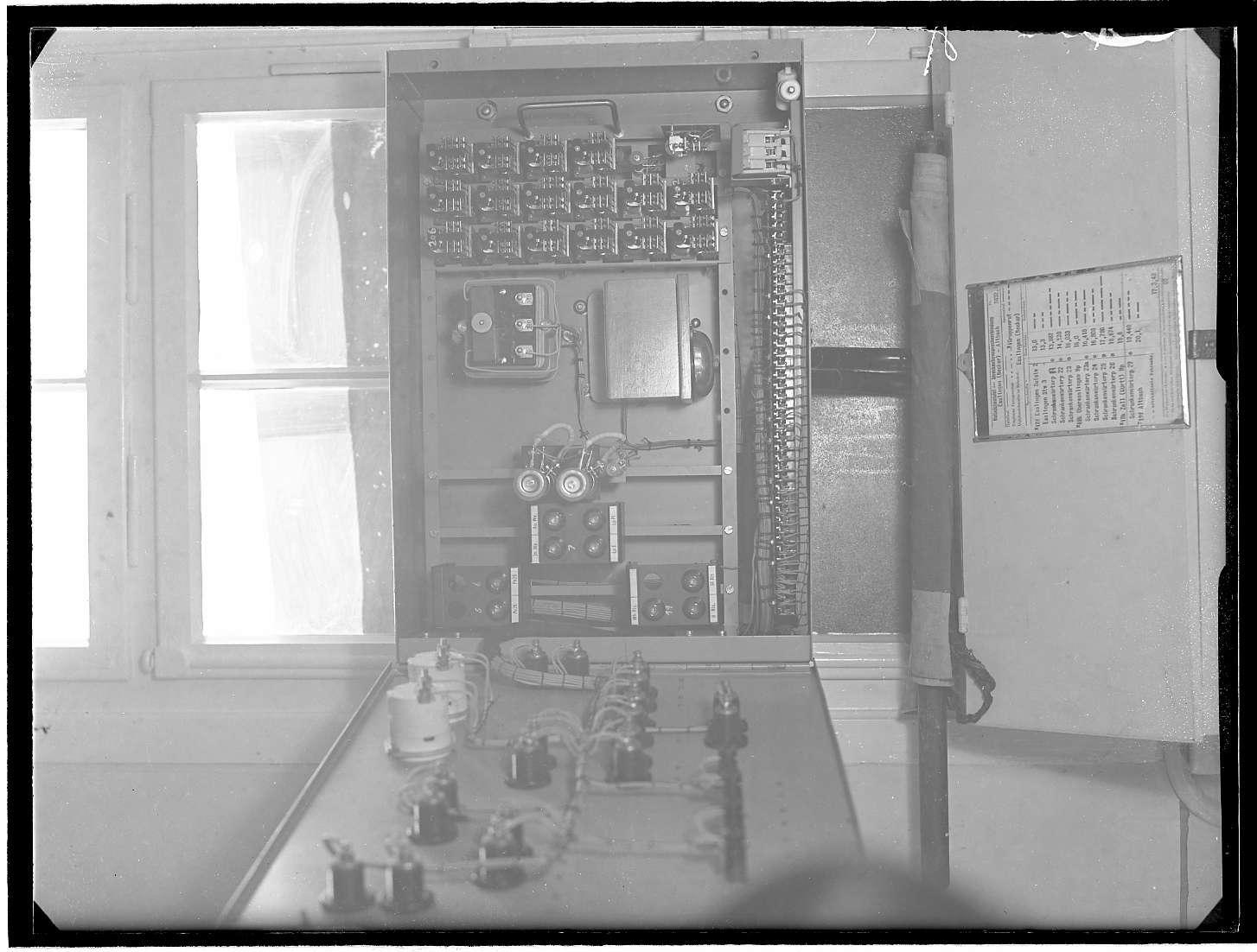 Zell, Bf, Schaltkasten für automatische Signale, Bild 1