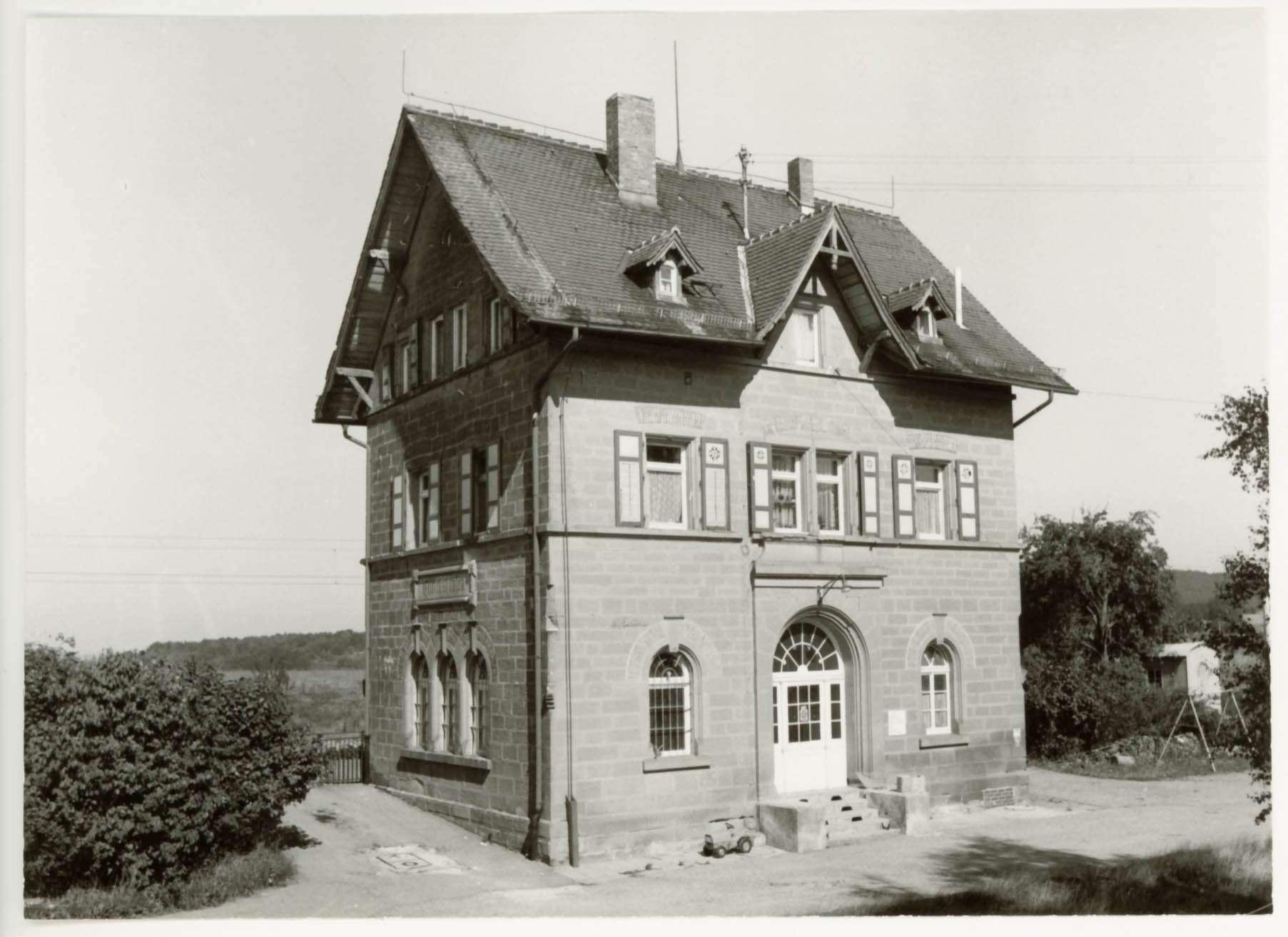 Ellrichshausen: 1 Foto u.a., Bild 1