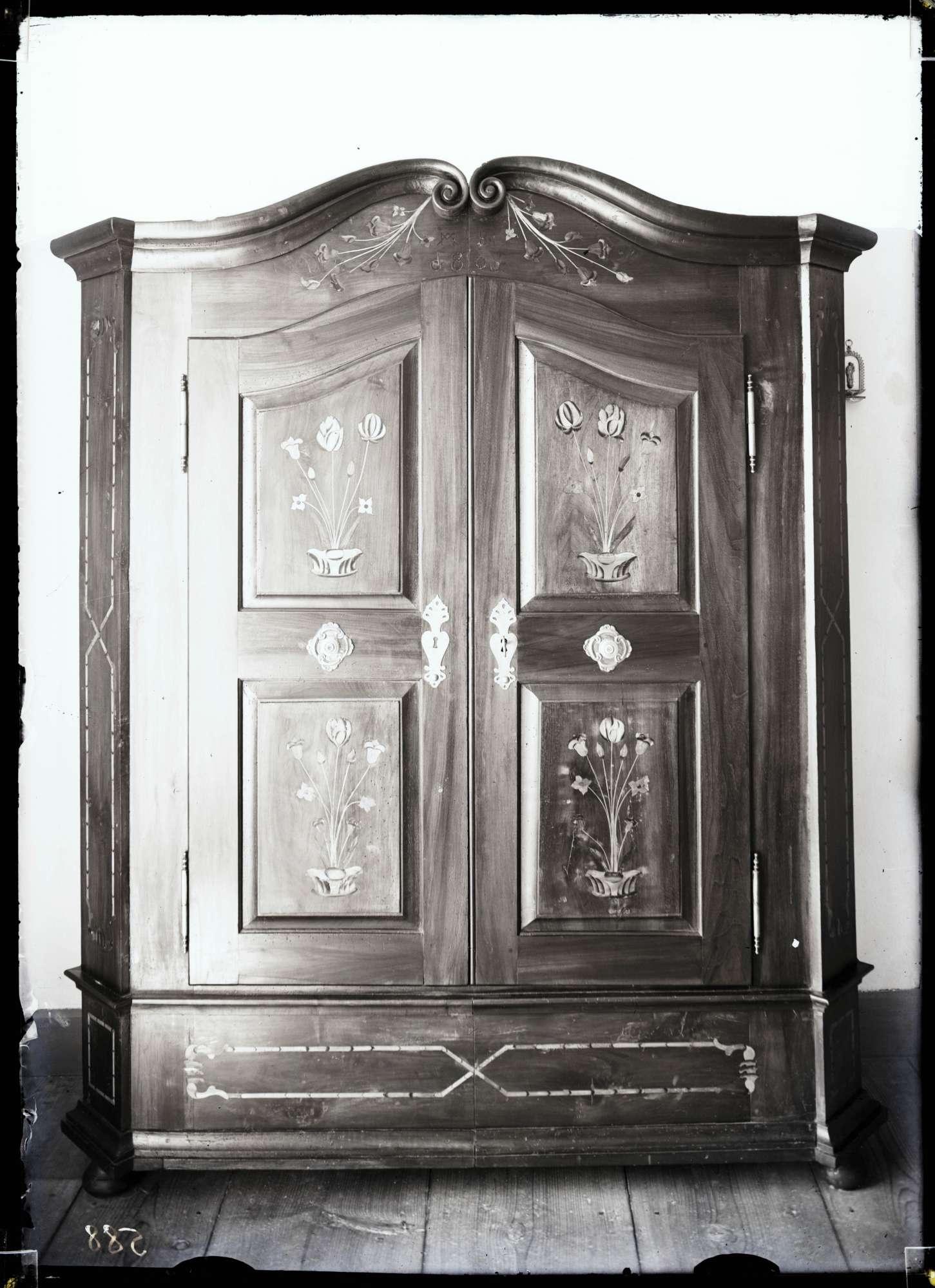 Schrank 1808 im Pfarrhaus, Bild 1