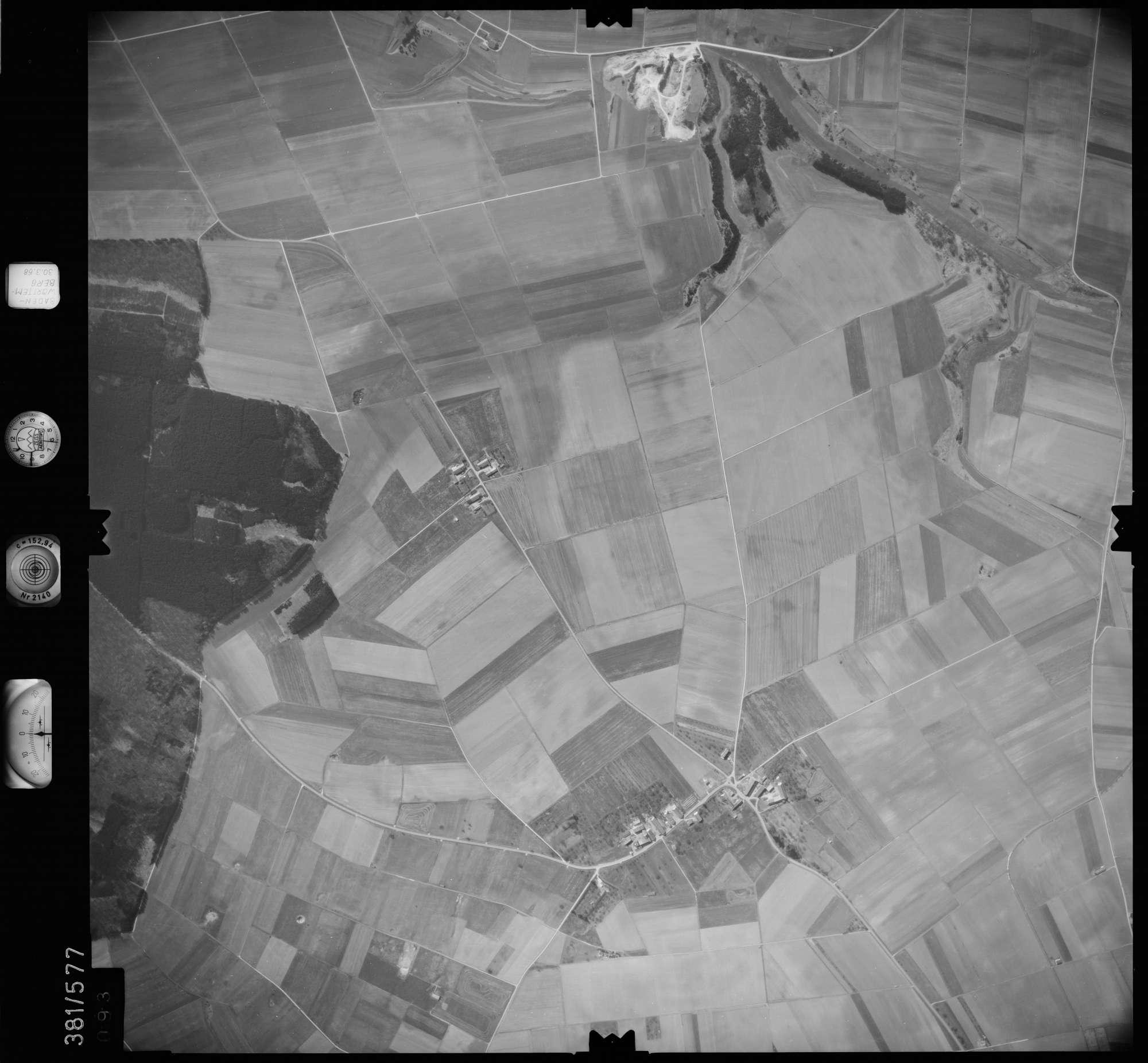 Luftbild: Film 27 Bildnr. 93, Bild 1