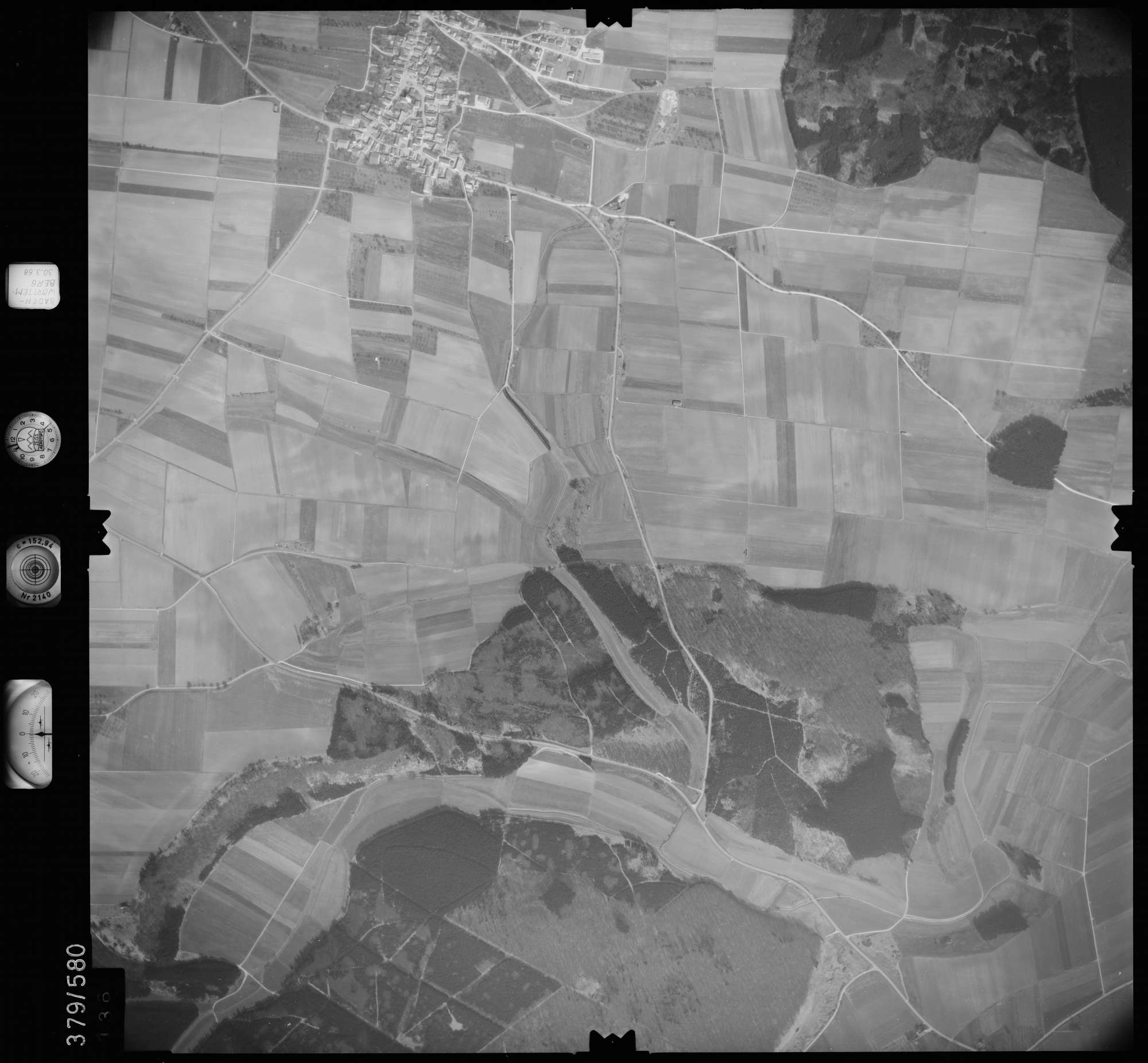 Luftbild: Film 27 Bildnr. 136, Bild 1