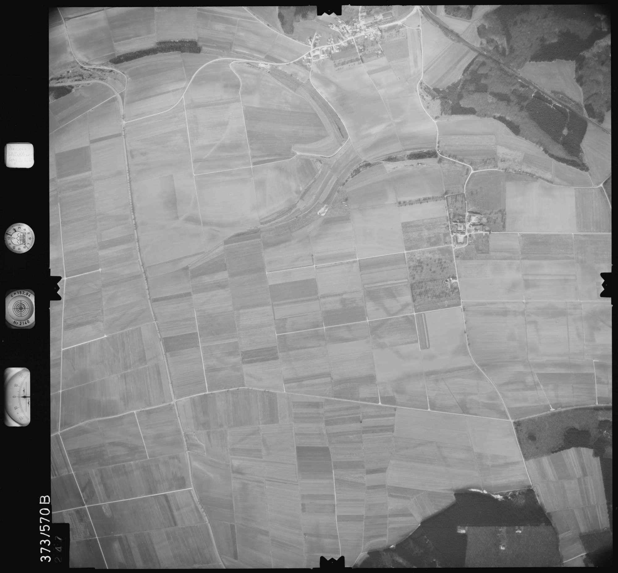Luftbild: Film 35 Bildnr. 247, Bild 1