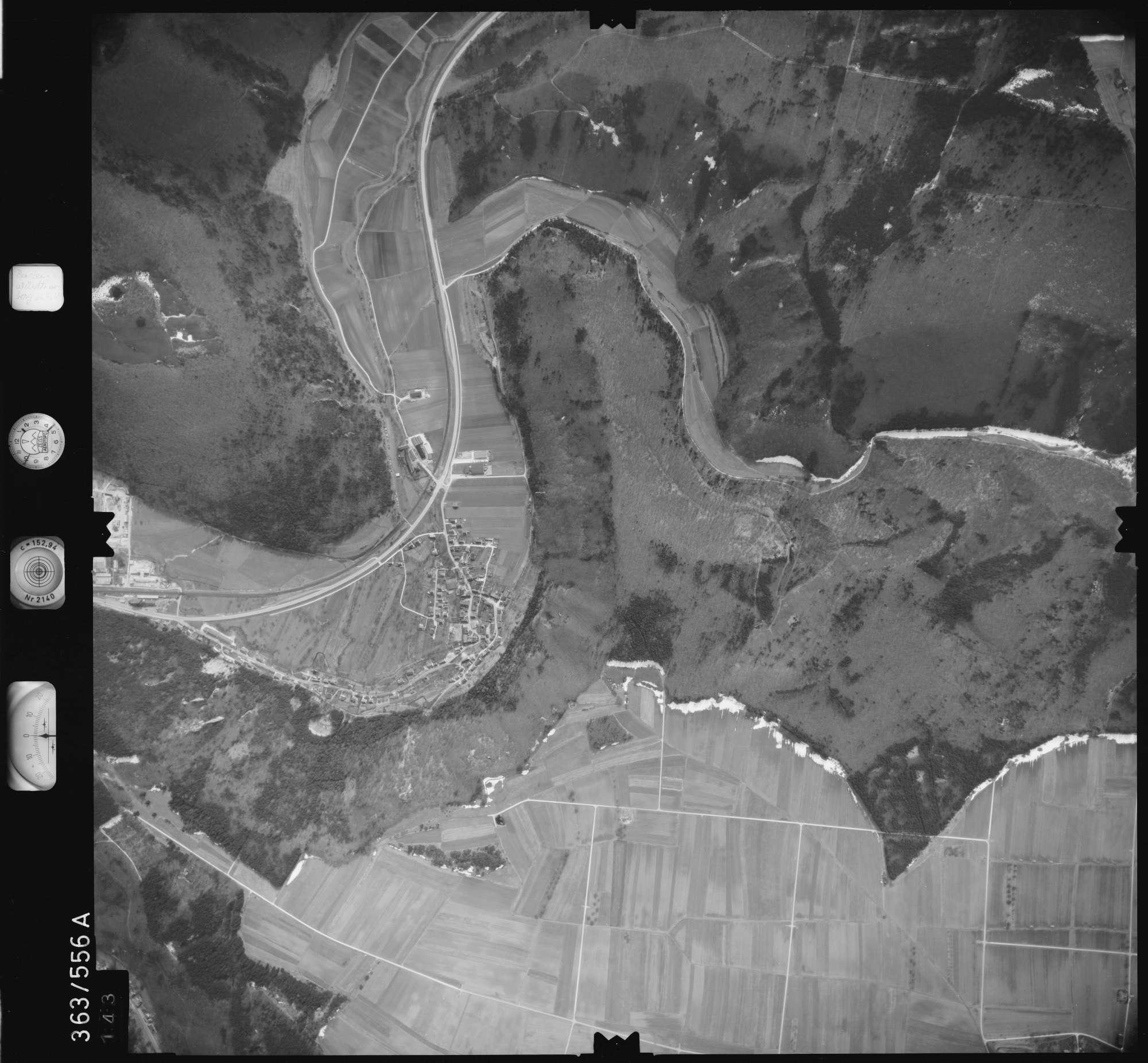 Luftbild: Film 35 Bildnr. 143, Bild 1